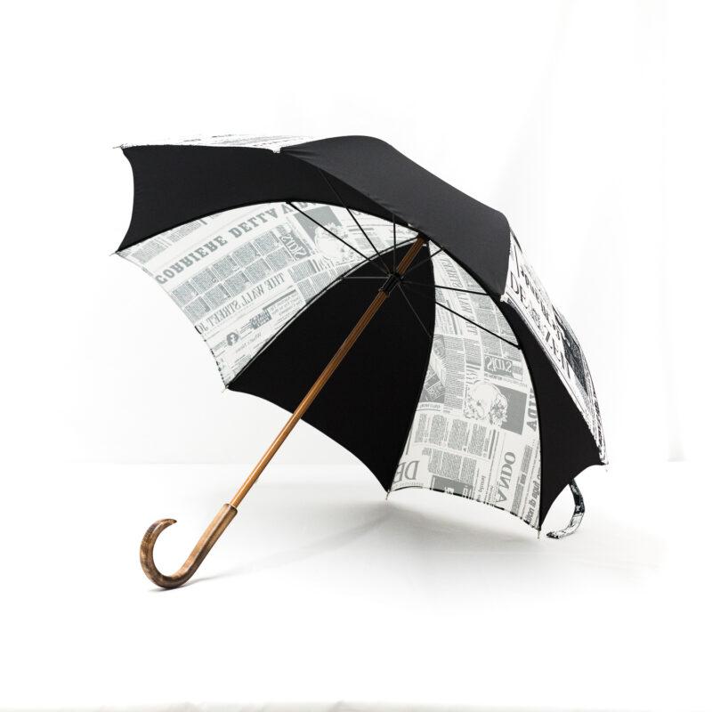 Parapluie imprimé journal noir