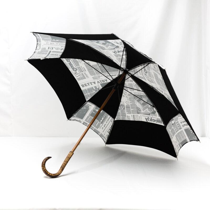 Parapluie carré journal noir