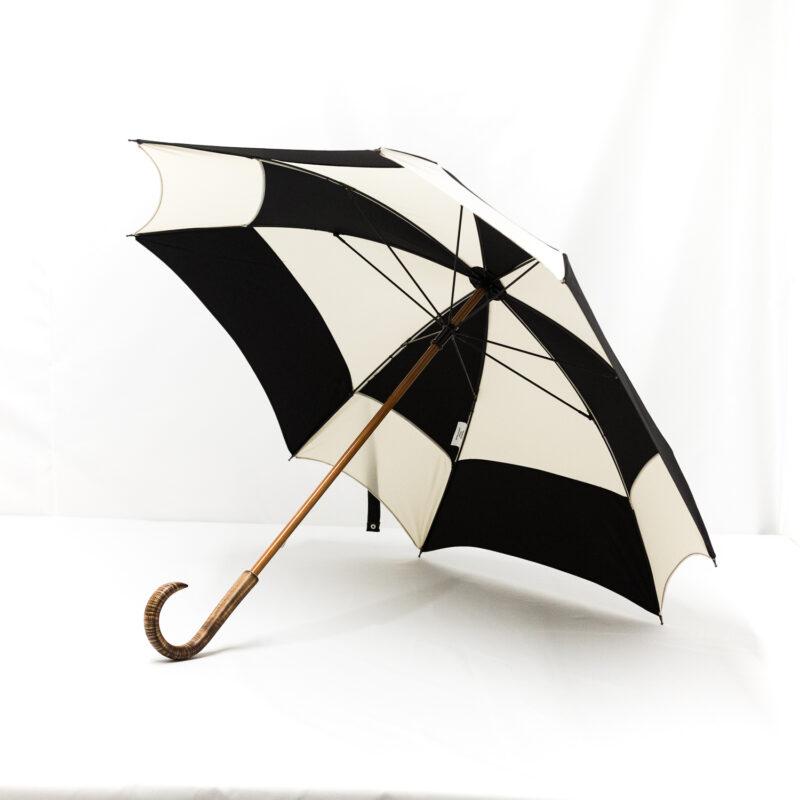Parapluie carré noir et écru