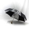 Parapluie pliant femme imprimé journal gris