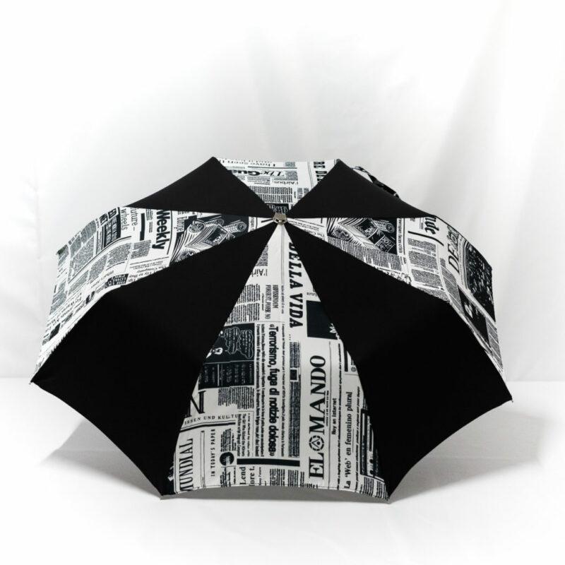 Parapluie pliant imprimé journal noir