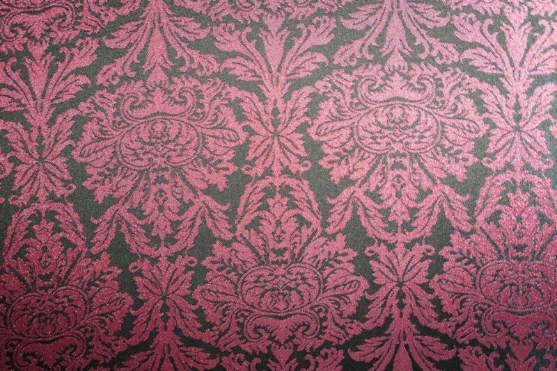 Tissu jacquard baroque bordeaux